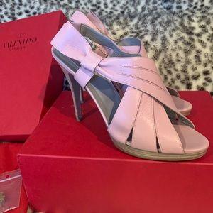 Valentino Garavani sling-back heels 👠